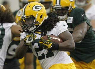 Packers running back Lacy signing with Seahawks