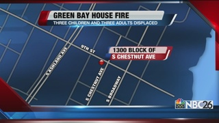 Green Bay house fire displaces six people