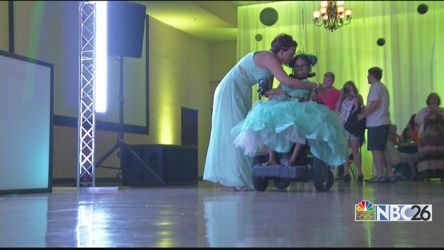 Last dance: Huge outpouring for dying teen