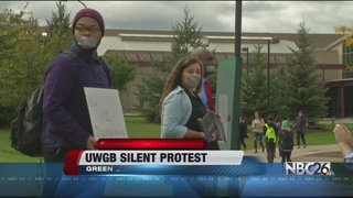 Students hold silent protest at UWGB