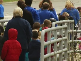 Green Bay students walk for Autism awareness