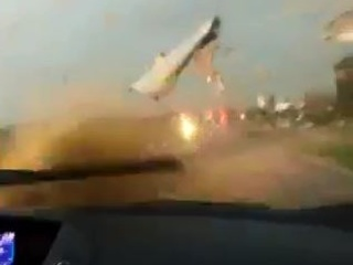 VIDEO: Scary moments driving through Wis. storm