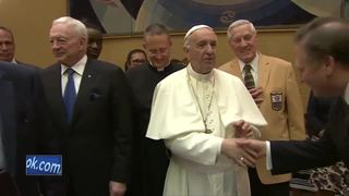 Packers great Jim Taylor meets Pope Francis