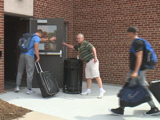 Packers move into dorms at St. Norbert College