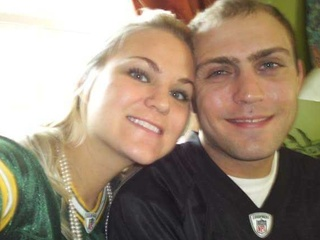 Couple plans to elope at Lambeau Field