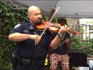 VIDEO: Wisconsin officer shows off violin skills