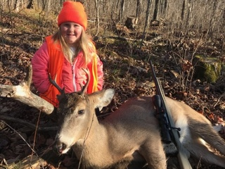 6-year-old Wisconsin hunter bags her first buck