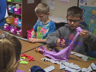 Students help others during Sharing Kindness Day