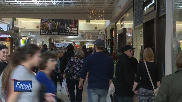 Thousands Show Up For Black Friday At Mall Of America