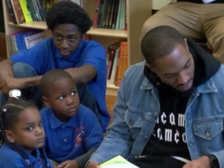 Packers' safety Clinton-Dix gifts students