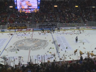 Gamblers collect teddies in 19th Teddy Bear Toss