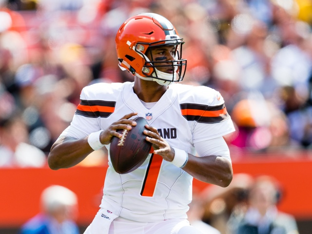 Thrown away: AP source: Browns trade QB Kizer to Packers