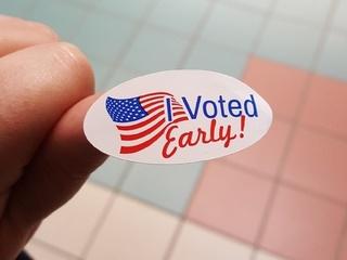 Early voting underway in Wisconsin