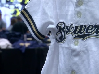 Green Bay stores also feeling Brewers business